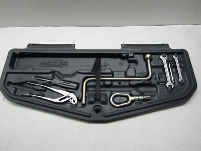 2002 BMW 525i SEDAN E39 - TRUNK TOOL KIT TRAY W/ TOOLS11806810