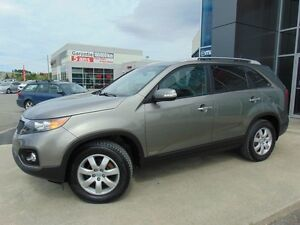 2011 Kia Sorento LX V6 AWD 7 PASSAGERS  SIEGES CHAUFFANTS HITCH