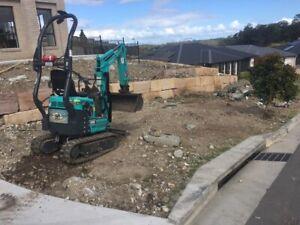 Cheap 1 tonne mini excavator hire. $195 per day. No bond