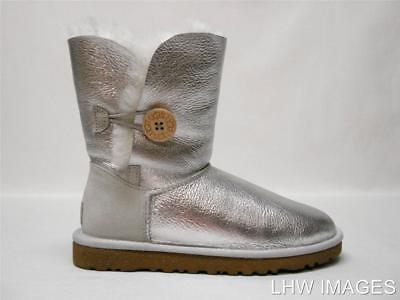 Neu in Box Ugg Australien Bailey Knopf Silber Metallic Shorts Schafsfell Stiefel ()