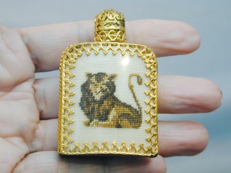 Miniature Pompadour Austria Petit Point Needlepoint Perfume Bottle Lion FAB