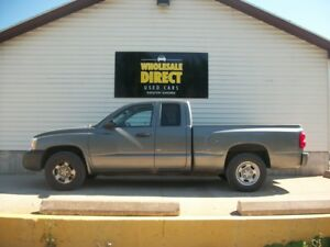 2005 Dodge Dakota A/C - CRUISE CONTROL - ALLOY WHEELS