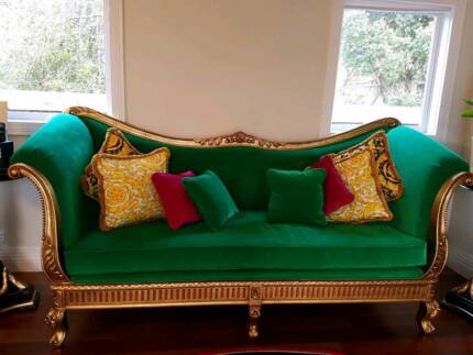 STUNNING! Emerald Green Velvet & Gold Carved Sofa Chaise Lounge