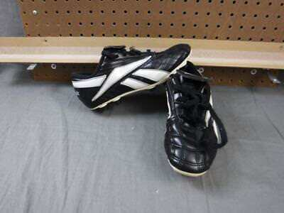 0c63d22ff08 Reebok Soccer Cleats US size 4 1 2 Used Kid s Child
