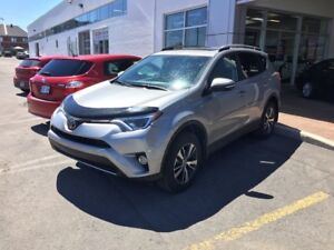 2018 Toyota RAV4 XLE 2018 RAV4 DEMo avaialle to LEASE, FINANCE o