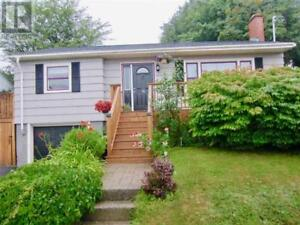 74 Woodland Avenue Dartmouth, Nova Scotia