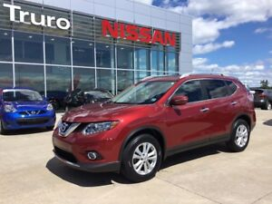 2015 Nissan Rogue SV W/ MOON-ROOF New Tires! FRESH MVI LOW KM