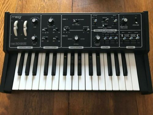 Moog The Rogue Analog Synthesizer 342A