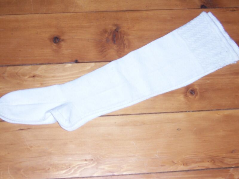 Victorian white hand knit cotton socks    Antique