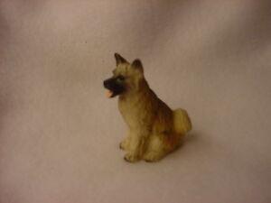 AKITA-fawn-brown-puppy-TiNY-FIGURINE-Dog-HAND-PAINTED-MINIATURE-Mini ...