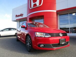 2014 Volkswagen Jetta 2.0 TDI Highline w/backup cam, sunroof, pu