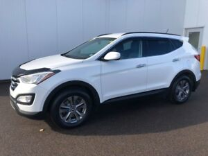 2015 Hyundai Santa Fe Sport Luxury Low Kms, real clean and brand