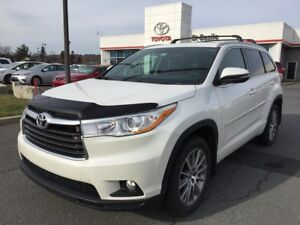 2016 Toyota Highlander XLE AWD MAGS CUIR TOIT 8 PASSAGERS