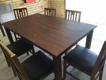 Good dining table Eight Mile Plains Brisbane South West Preview