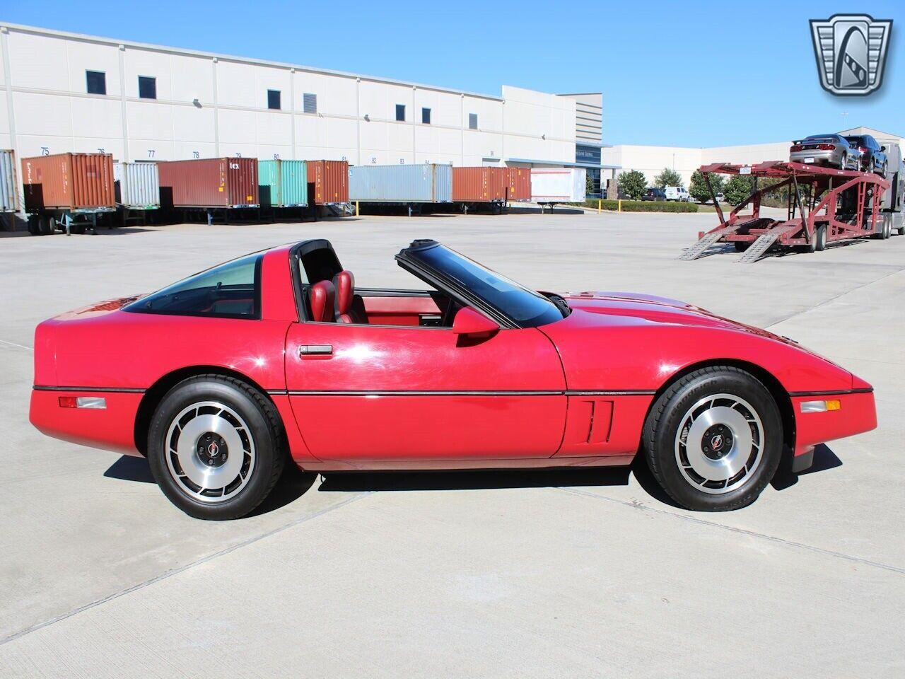 1984 Red Chevrolet Corvette     C4 Corvette Photo 6