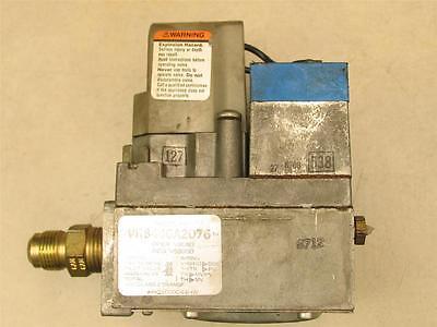 Honeywell Vr8440a2076 Hvac Furnace Gas Valve Hq1000044hw