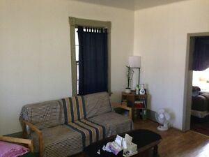 Bright, spacious 1 bedroom apartment - utilities included