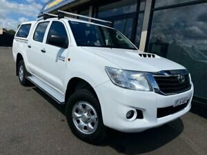 2013 Toyota Hilux KUN26R MY12 SR Double Cab White 5 Speed Manual Utility West Tamworth Tamworth City Preview