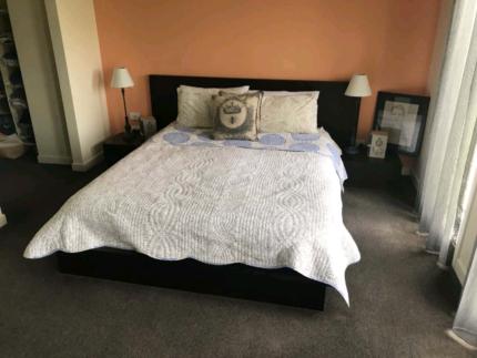 Queen size bedroom suite