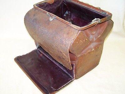 Seltene alte Arzttasche Hebammentasche Leder, alter Arztkoffer
