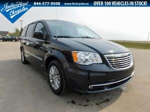 2016 Chrysler Town & Country Touring-L | Sunroof | DVD | Nav
