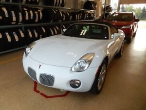 2008 Pontiac Solstice Like new ultra low kms!