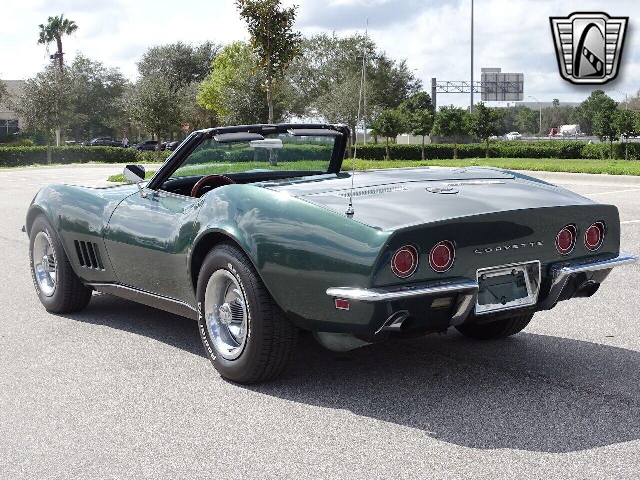 1968 Green Chevrolet Corvette   | C3 Corvette Photo 7