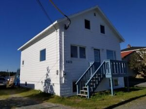 4 BEDROOM  CHARACTER HOME IN EASTERN PASSAGE ON THE WATER!