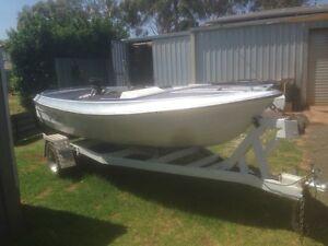Ski Boat for sale Condobolin Lachlan Area Preview