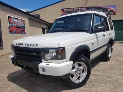 LANDROVER DISCOVERY V8 DUAL FUEL*** GO ANYWHERE AND TOW ANYTHING!