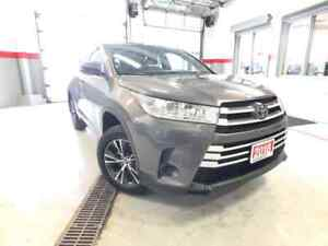 2018 Toyota Highlander LE AWD Safety-SEN R-CAM B-Tooth LOW-KMS L