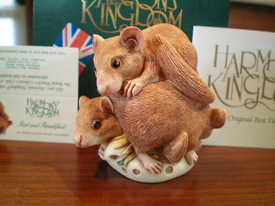 Harmony Kingdom Bed and Breakfast Dormouse UK Made Marble Resin Box Figurine