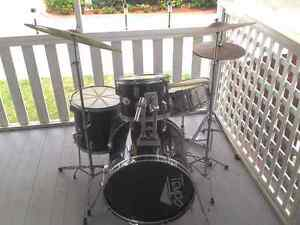 Tempo Drum kit by Dixon Elanora Gold Coast South Preview