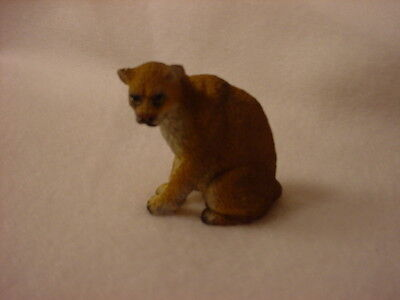 COUGAR wild cat animal TiNY FIGURINE Resin MINIATURE Mini Safari Zoo Statue NEW