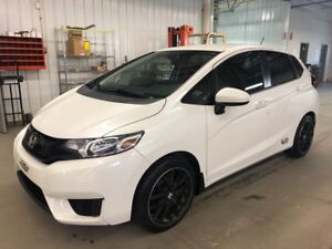 2016 Honda Fit LX ??17 INCHES MAGS + TINTED WINDOWS??