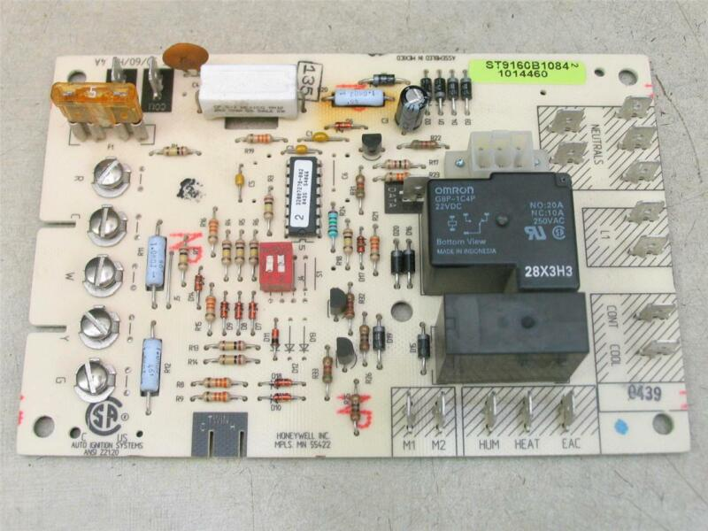 Honeywell ST9160B1084 Furnace Control Circuit Board 1014460