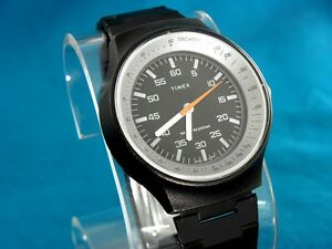 VINTAGE-1977-TIMEX-BLACK-MAX-MENS-TACHOMETER-STYLE-MECHANICAL-WATCH