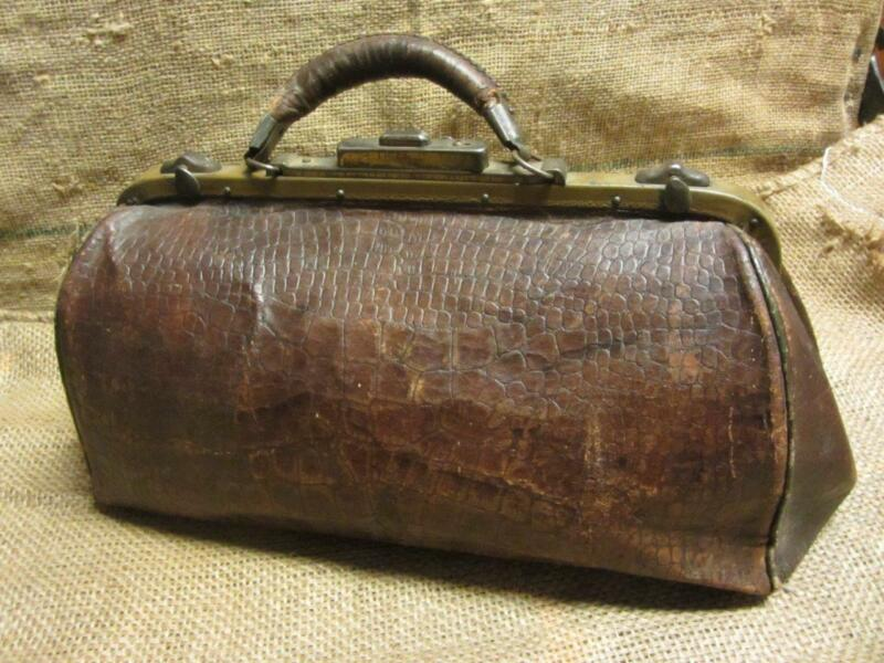 Vintage Leather Doctor Bag > Antique Bags Doctor
