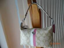 *NEW NEW* Coach Purse Bag in Khaki/Pink Manning South Perth Area Preview