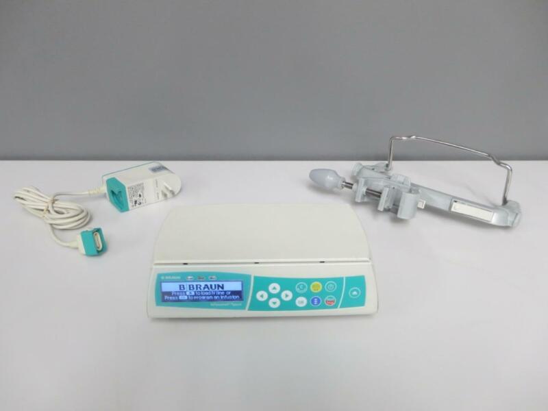 B Braun Infusomat Space Infusion Pump w/ AC Adapter & Pole Clamp 8713050U