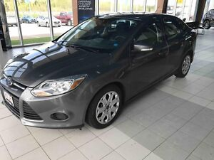 2014 Ford Focus SE 5-Speed Manual! Low Kms!
