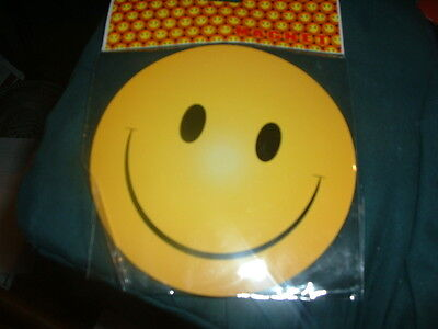 SMILEY FACE MAGNET GREAT FOR CAR OR ANYWHERE