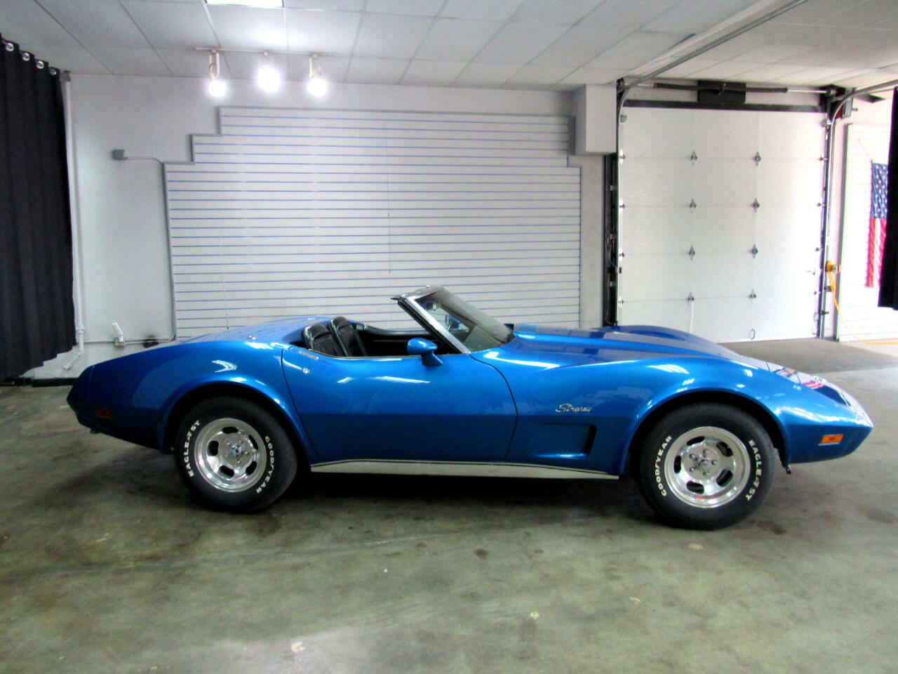 1974 Blue Chevrolet Corvette Convertible  | C3 Corvette Photo 4