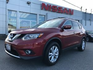 2015 Nissan Rogue SV  AWD  $149 BI WEEKLY AWD SUV with a lots of