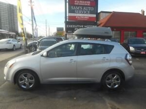 2010 Pontiac Vibe AWD / THULE COMPARTMENT / ALLOYS / SUPER CLEAN