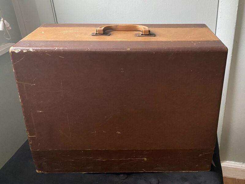 Vintage Sewing Machine Case Wood Base Vinyl Covered Bakelite Handle?