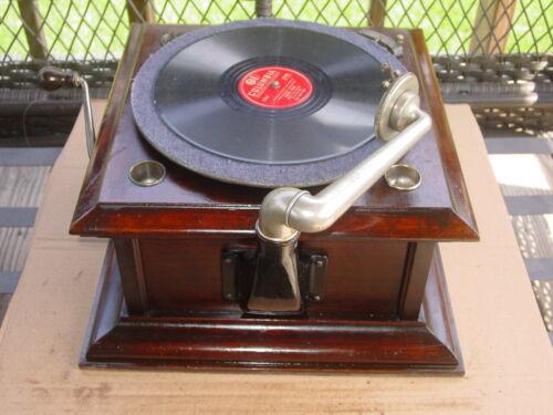 Vintage Antique Columbia Graphophone Victrola