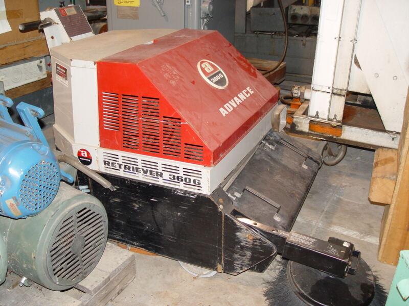 Advance Self-Propelled Walk-behind Floor 4-Stroke Gasoline Sweeper/Vacuum #360G