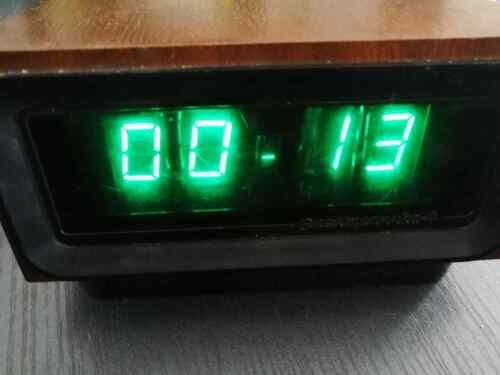 Nixie Tube Clock Elektronika 4 (G9.02) USSR Vintage Ready Wooden Clock, IN-12