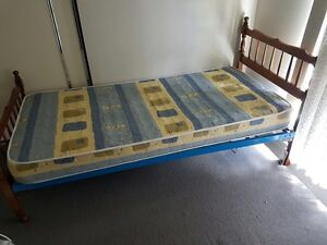 Selling 2 bed with the mattress Logan Central Logan Area Preview